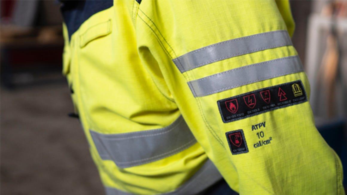 Bli kjent med vårt sortiment av flammehemmende arbeidsklær